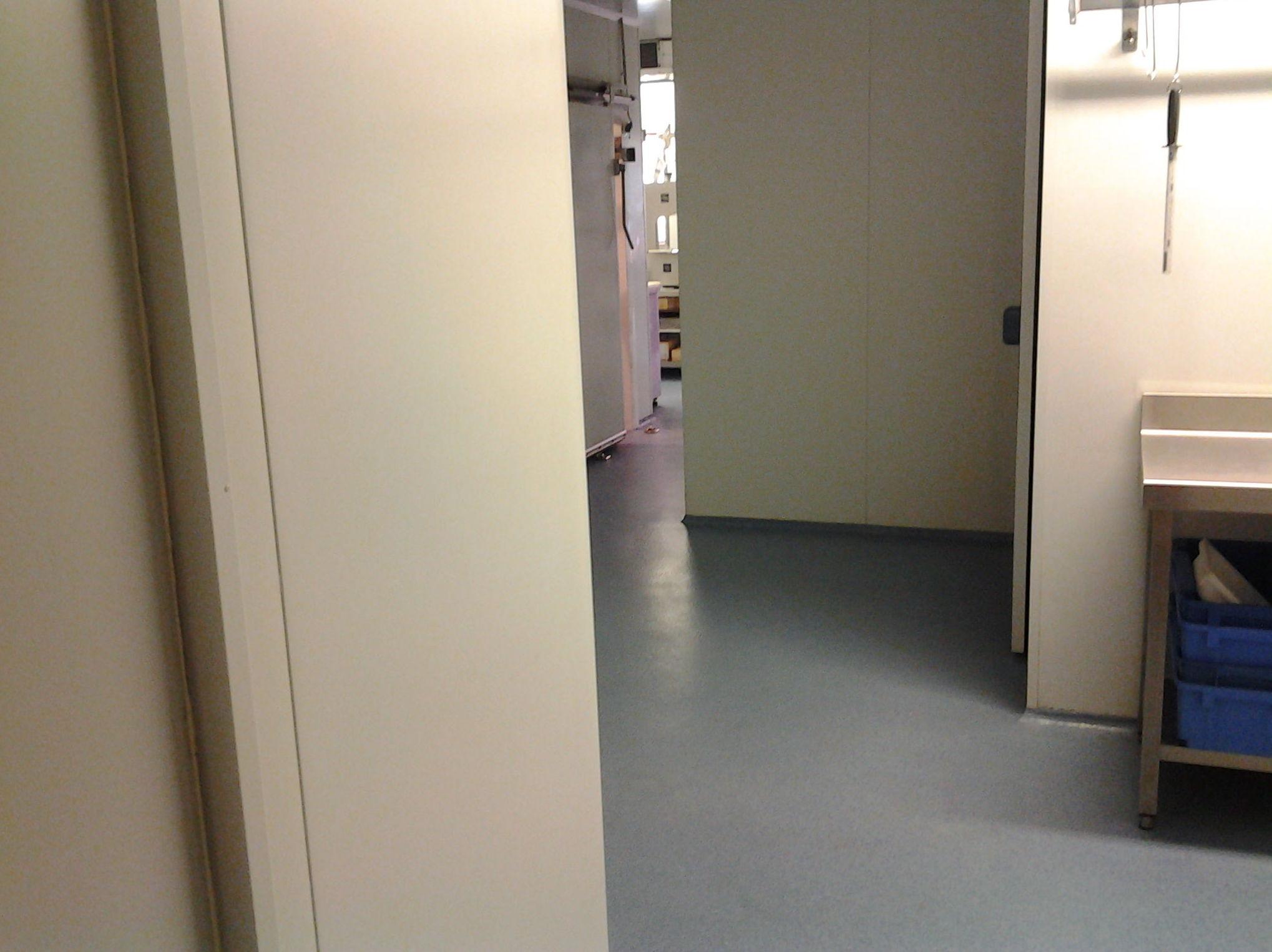 Vista interior de la carnicería