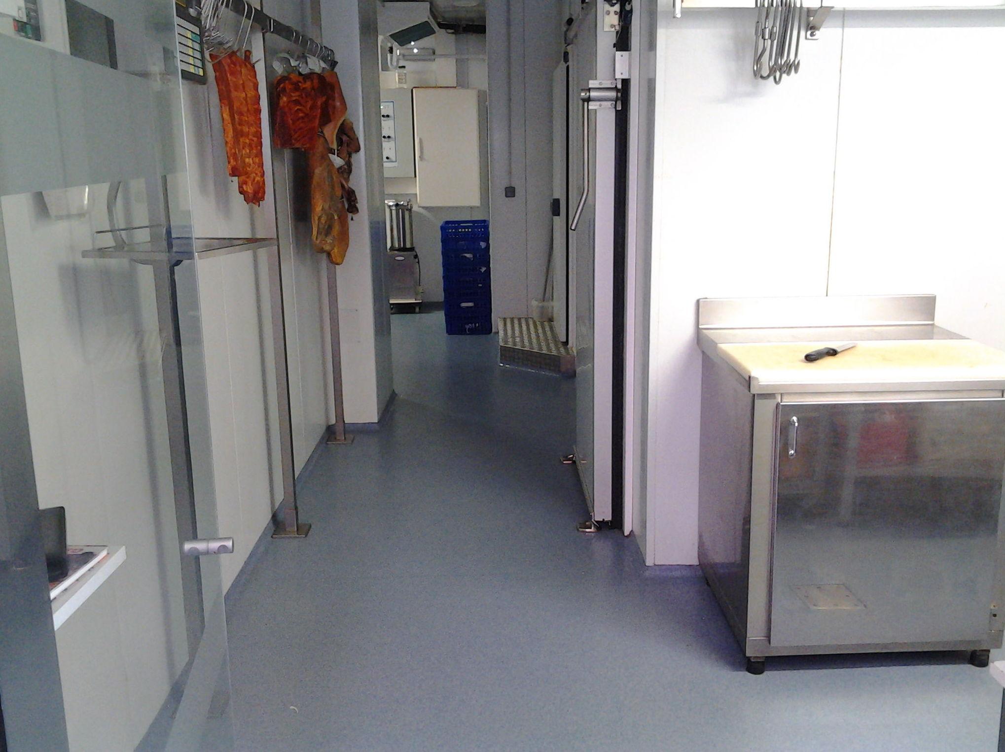 Zona interior de la carnicería
