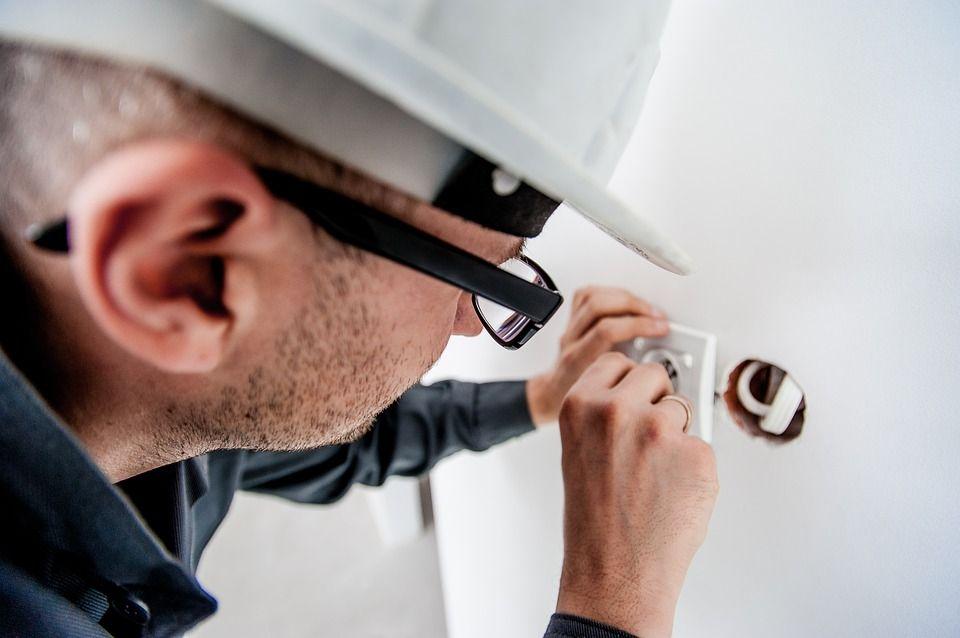 Reparaciones eléctricas: Servicios de Tecnillum Xàbia, S.L.