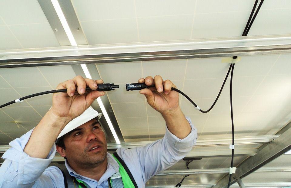 Mantenimientos eléctricos: Servicios de Tecnillum Xàbia, S.L.