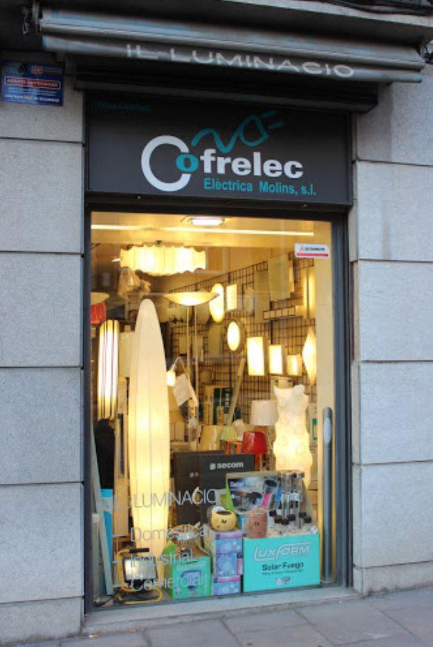 Tienda familiar de iluminación en Sant Feliu de Llobregat