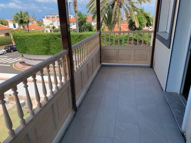 Restauración de balcón Canario