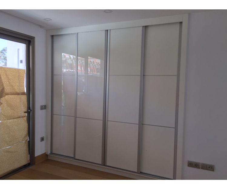 Armarios empotrados con puertas correderas
