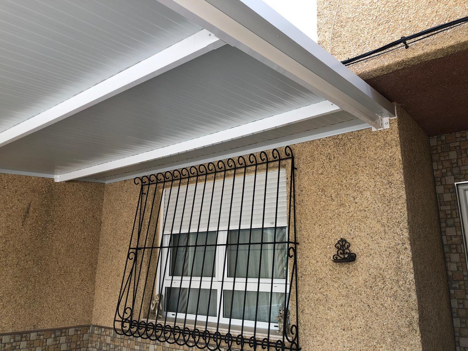 Instalación de cerramiento en terraza