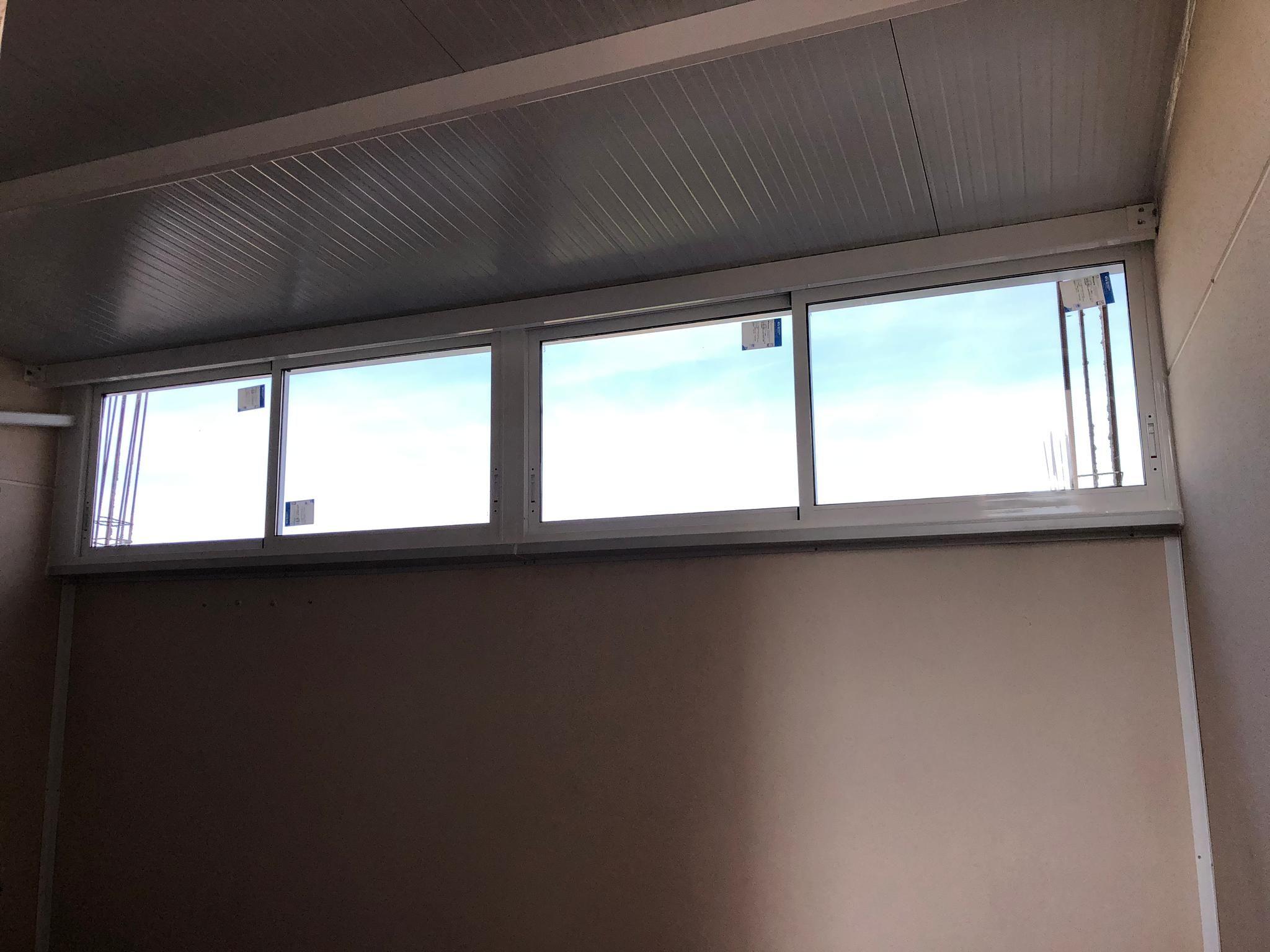 Cerramiento de terraza aluminio y PVC