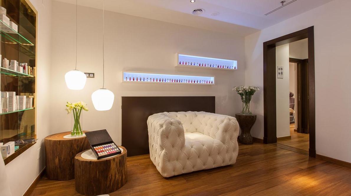 Tarima de Bambú maciza instalada en Hotel- instalador de parquet, tarimas, pavimentos y suelos laminados- instaladordetarima.com