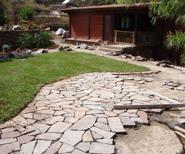 Trabajos de transformación de jardines en Santa Cruz de Tenerife