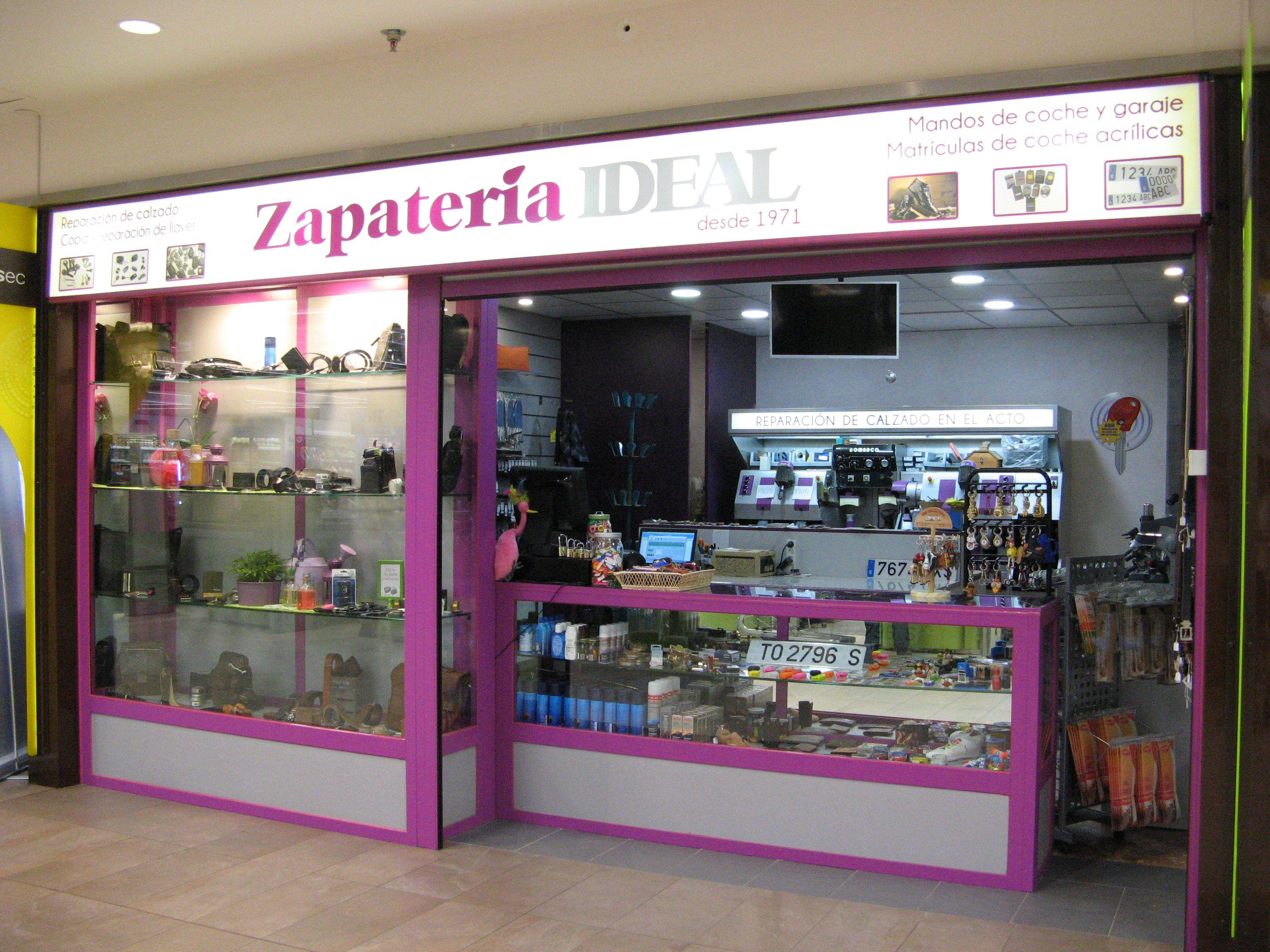 Foto 1 de Reparación de calzado en Alcobendas | Zapatería Ideal Alcobendas