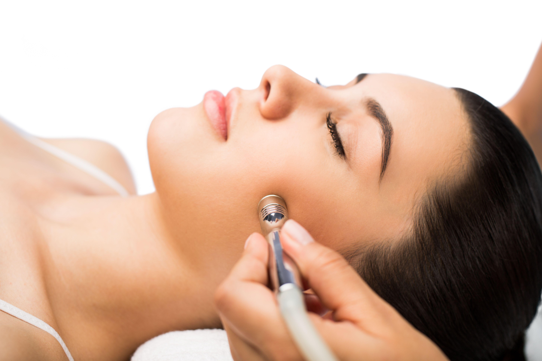 Tratamientos faciales: Servicios de Uñas y Belleza