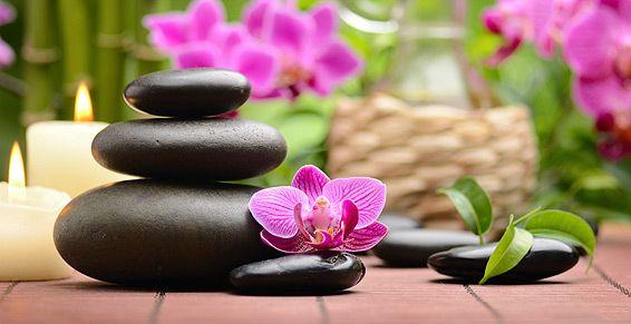 Piedras calientes: Tratamientos y cosméticos de Etherma