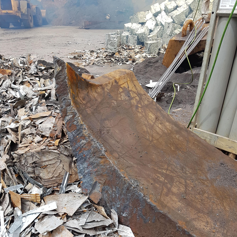 TRANSPORTISTA DE RESIDUOS NO PELIGROSOS: Servicios de Reciclajes Ondarroa