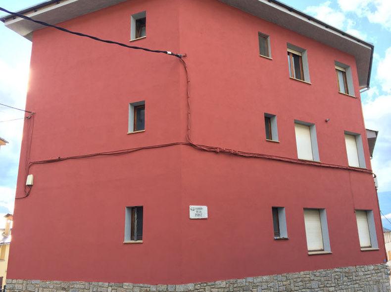 Pintamos y sanean todo tipo de fachadas