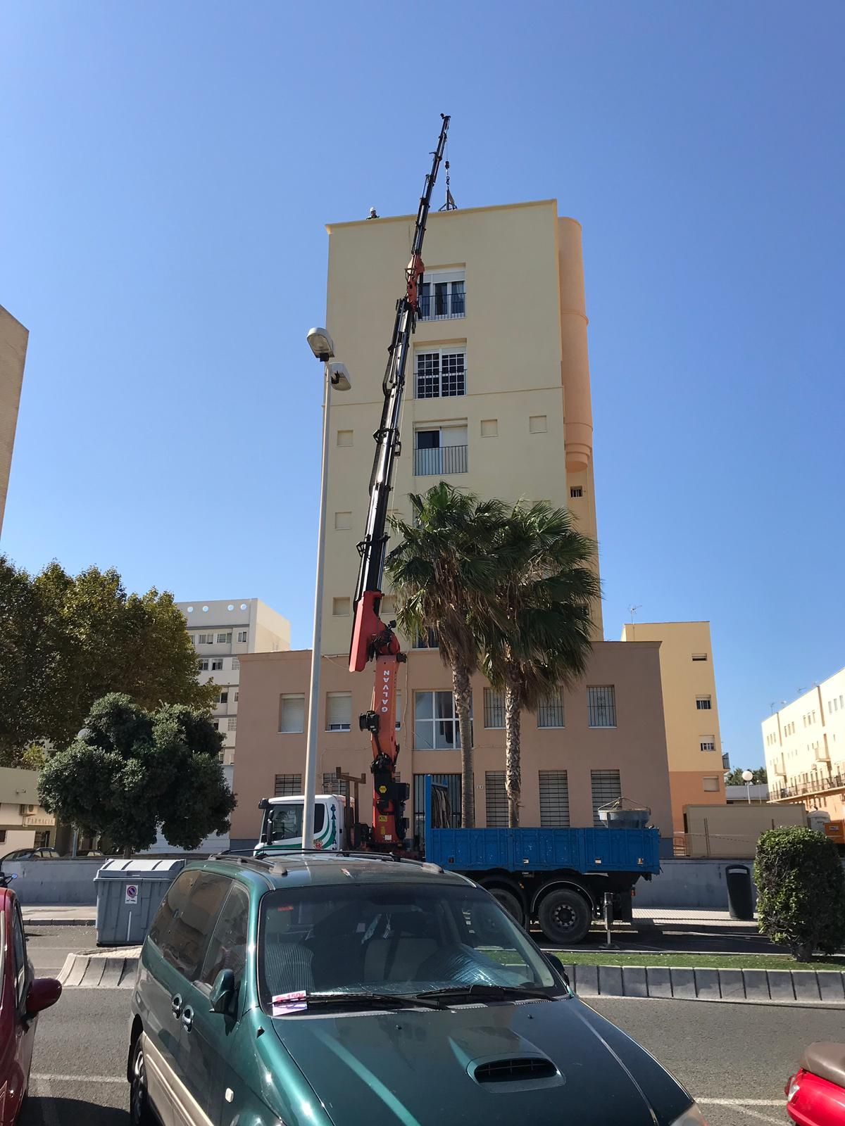 Alquiler de camiones grúa en Cádiz