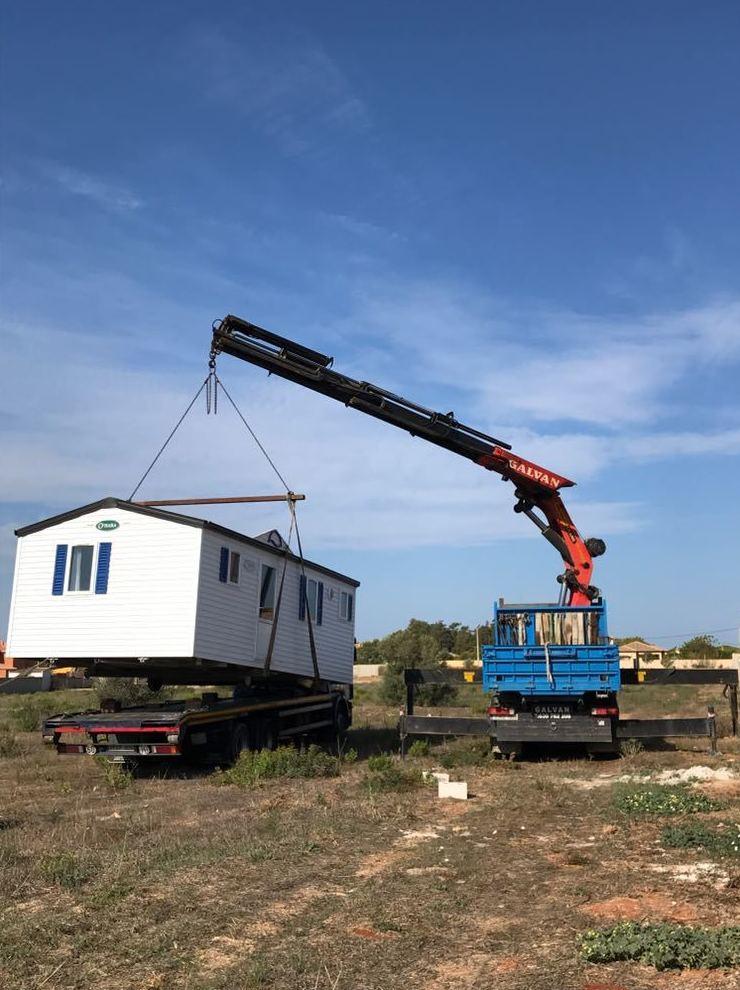 Foto 2 de Transporte de mercancías en Chiclana de la Frontera | Transportes y Grúas Galván - Alquileres Galván