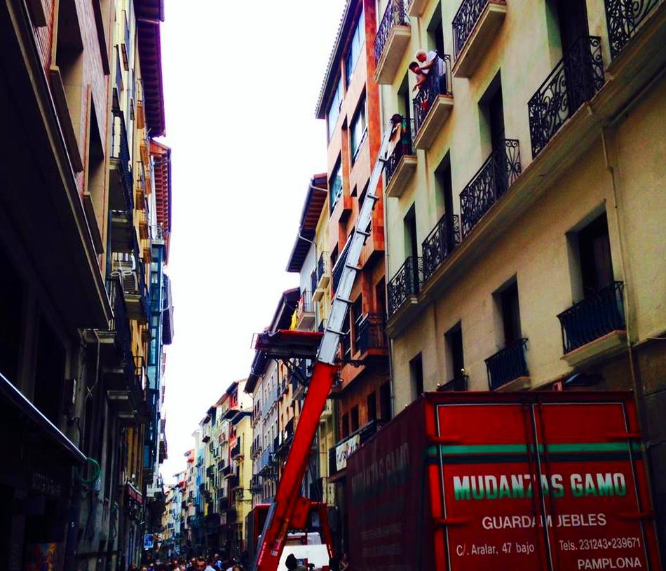 Mudanzas Gamo en calle Estafeta, Iruña / Pamplona.