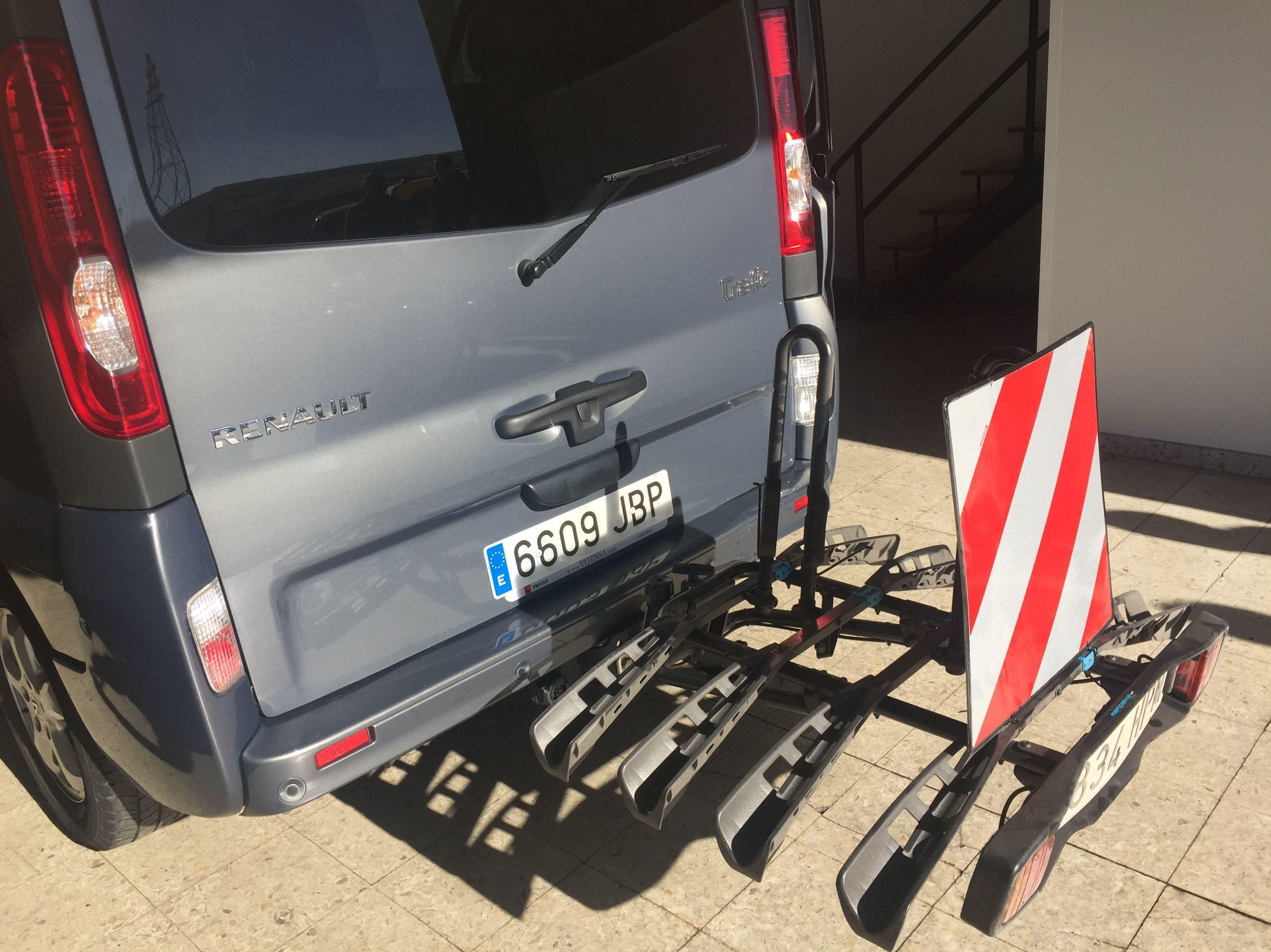 alquiler furgoneta plazas con portabicis Asturias
