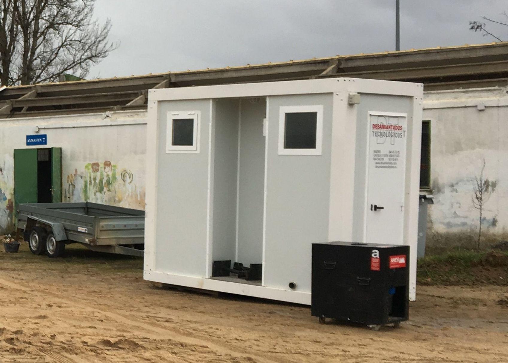 Cubierta retirada y cabina de descontaminación