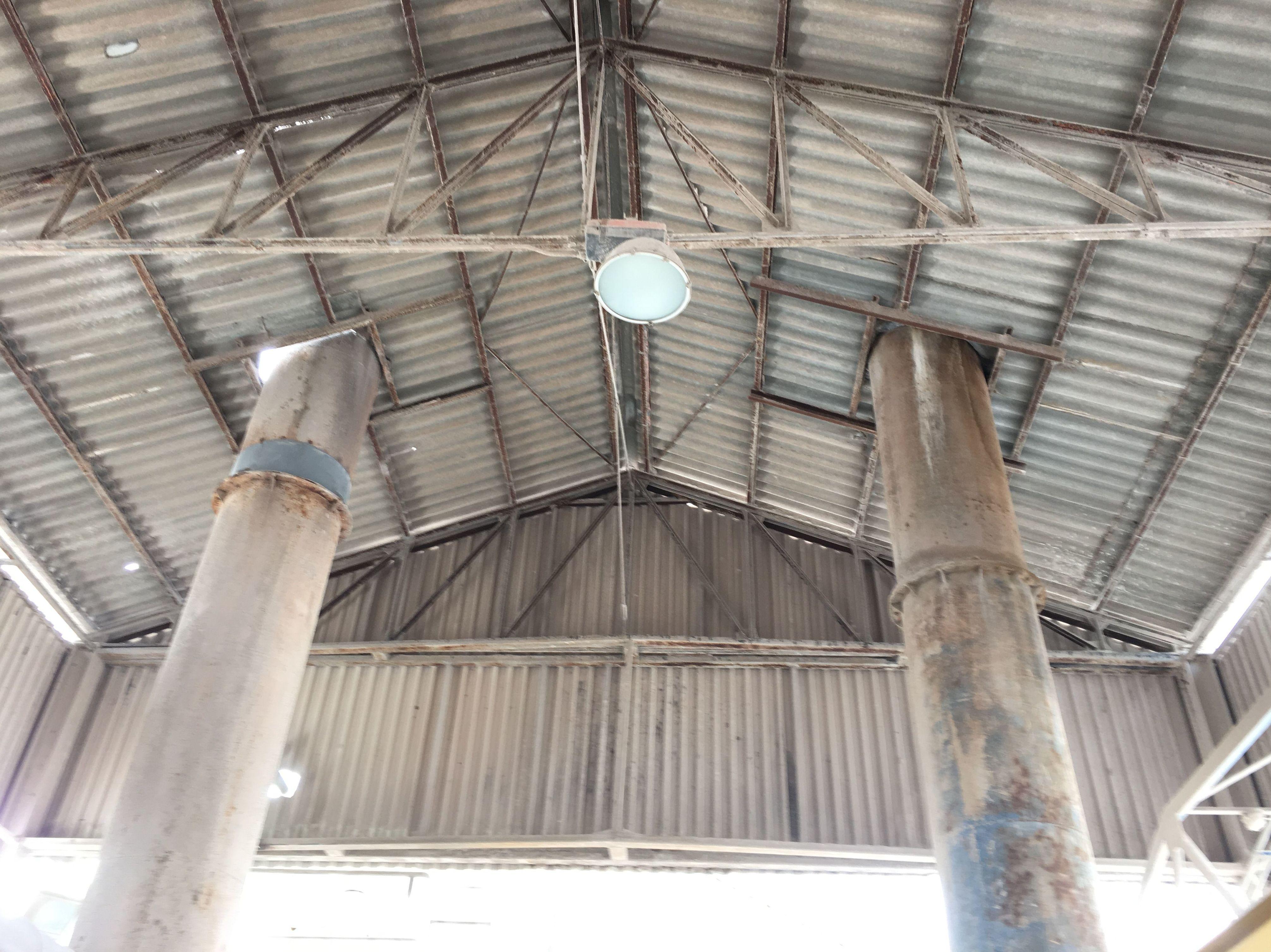 Placas de fibrocemento con amianto en Azucarera de Toro