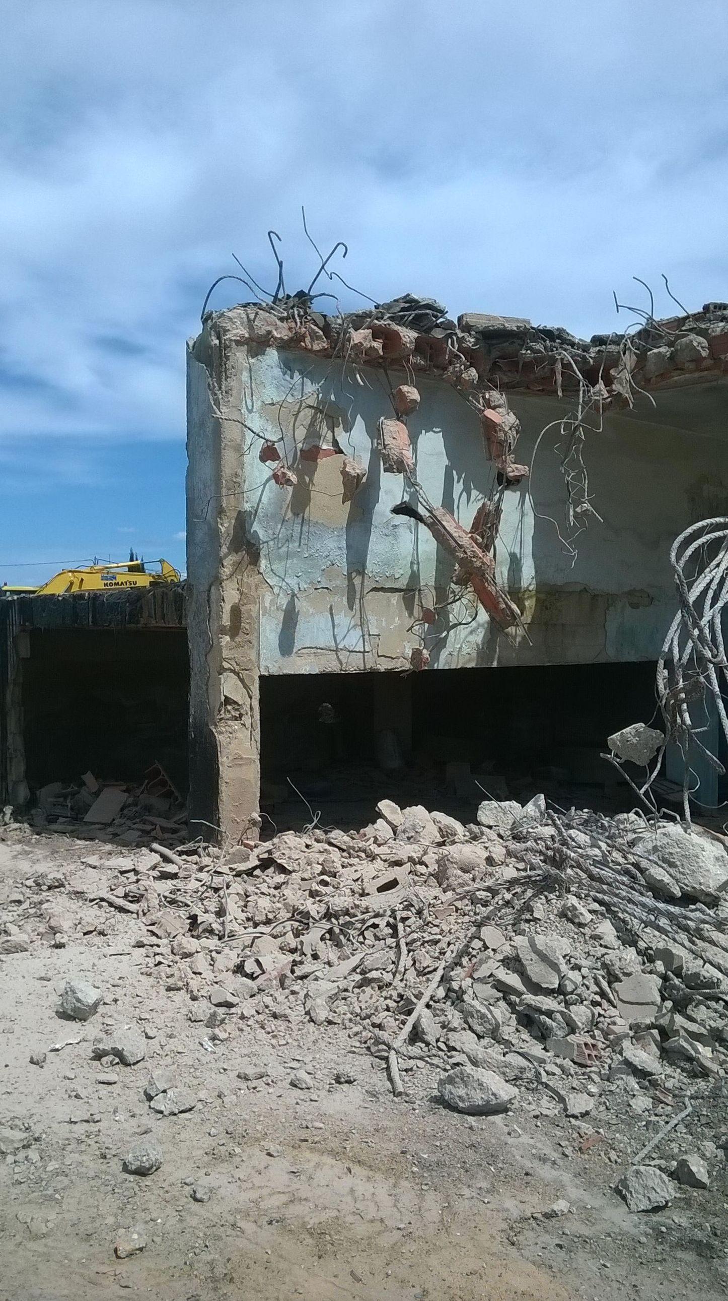 DERRIBOS DE CUALQUIER TIPO