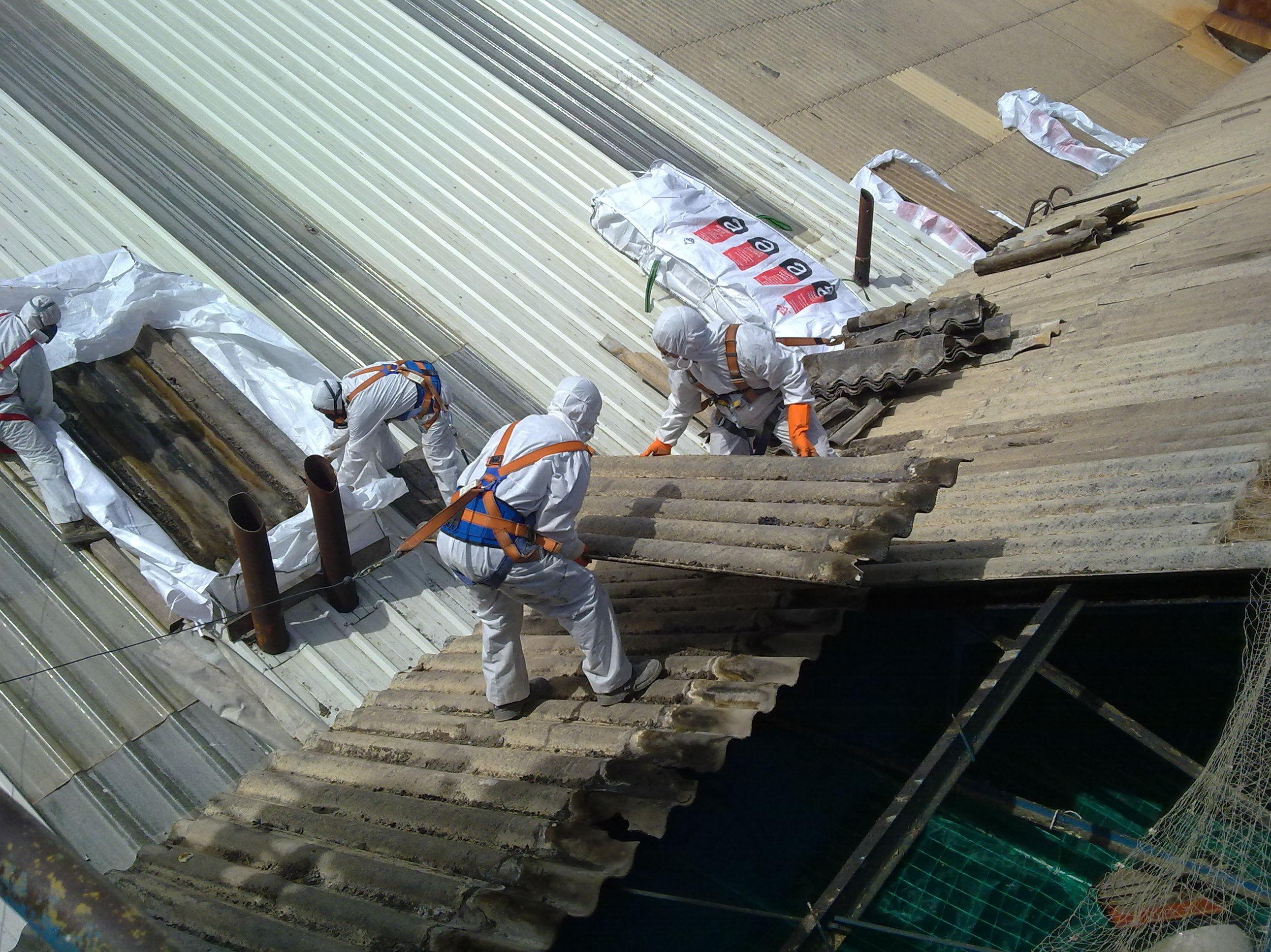 Retirada de cubierta de fabrica Azucarera 1