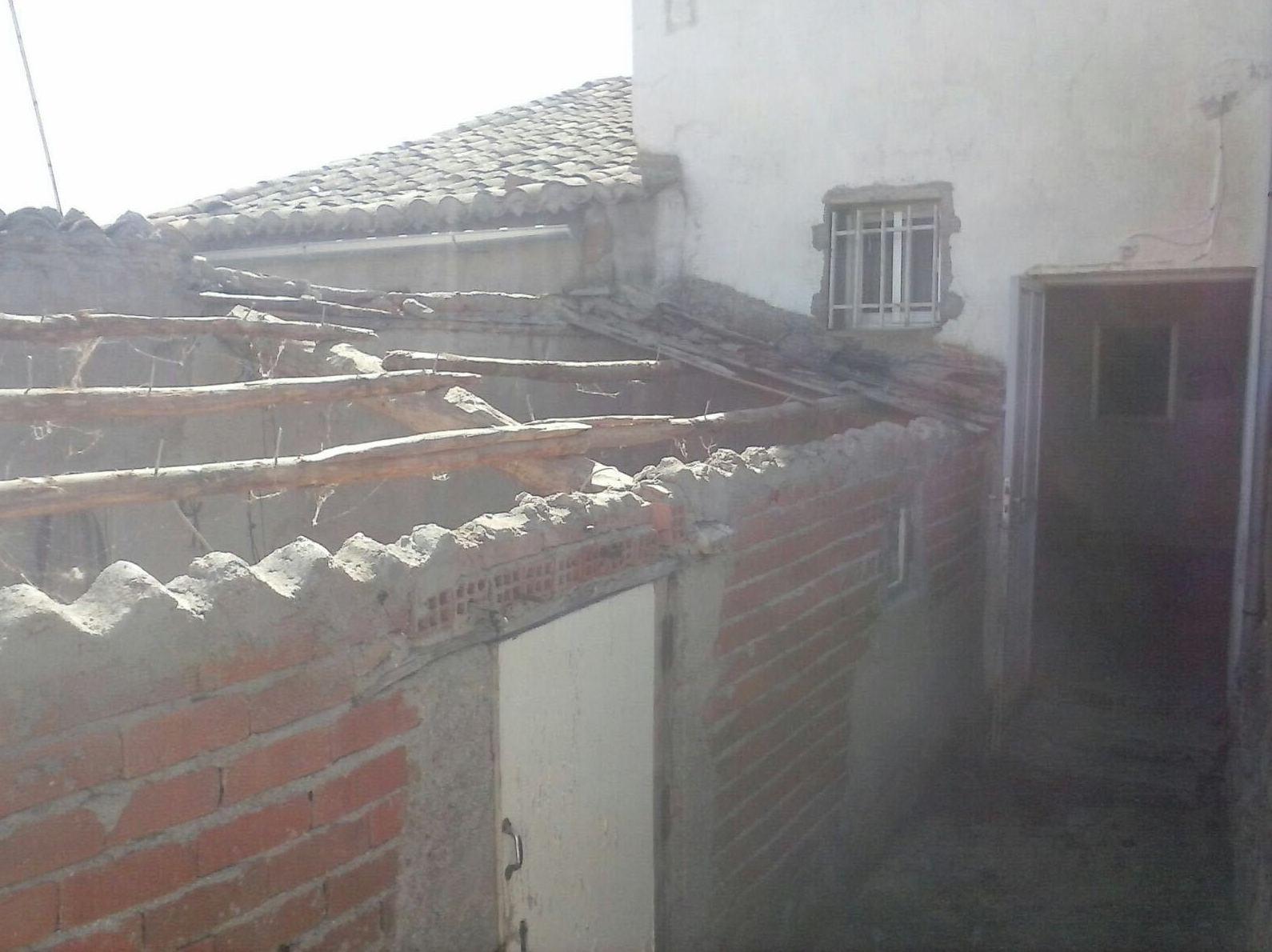 Retirada de cubierta con amianto en Malpartida