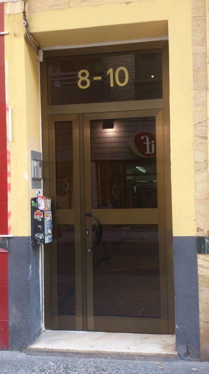 Puerta de exterior en aluminio  Zaragoza