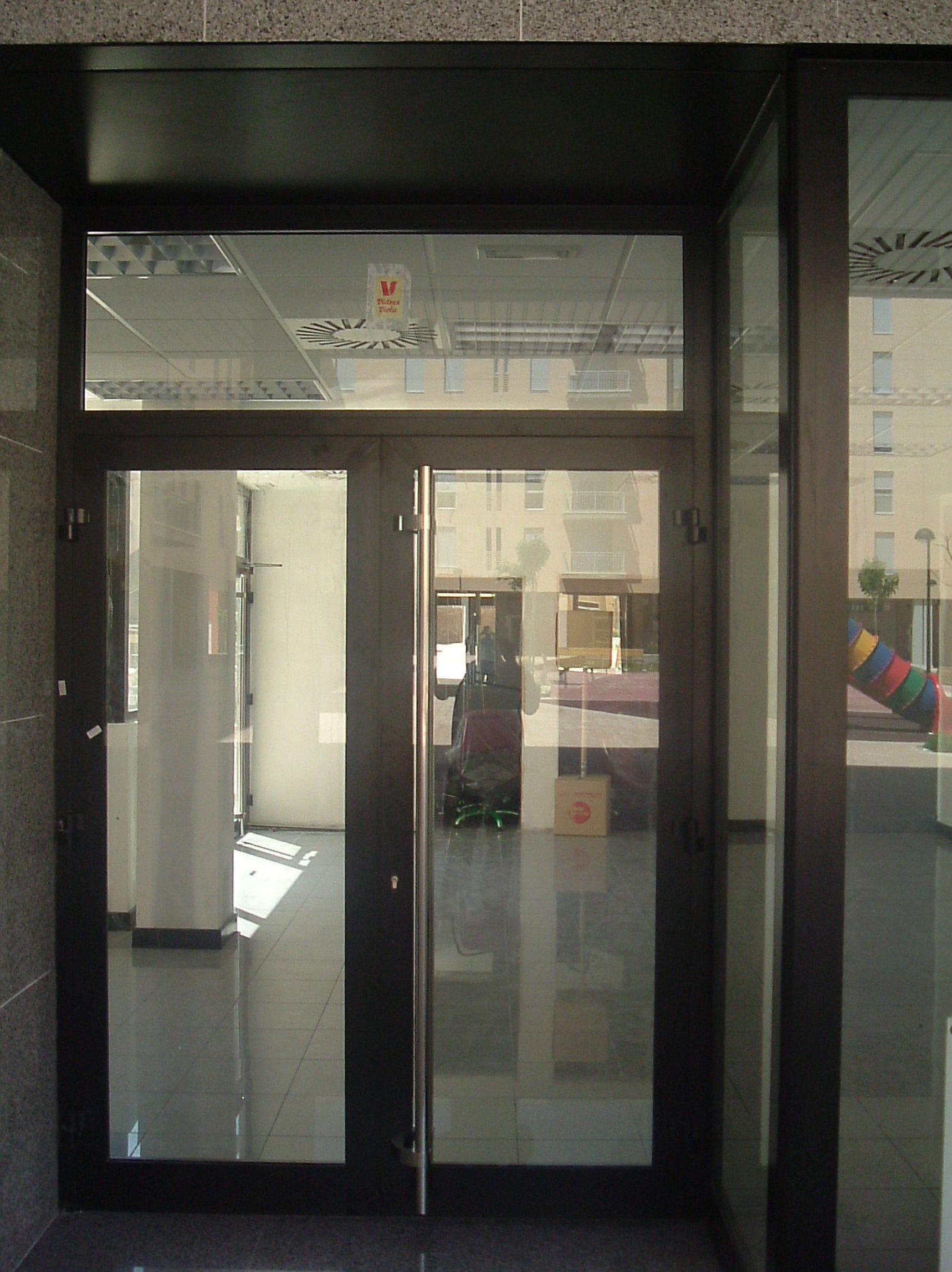 Puerta local comercial Zaragoza