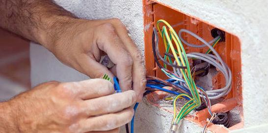 Luz: Servicios de Instalaciones Age