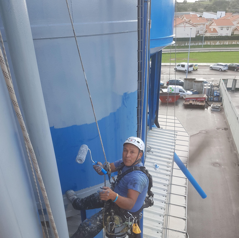 Foto 74 de Trabajos verticales en Torrelavega | Acebo Rehabilitación