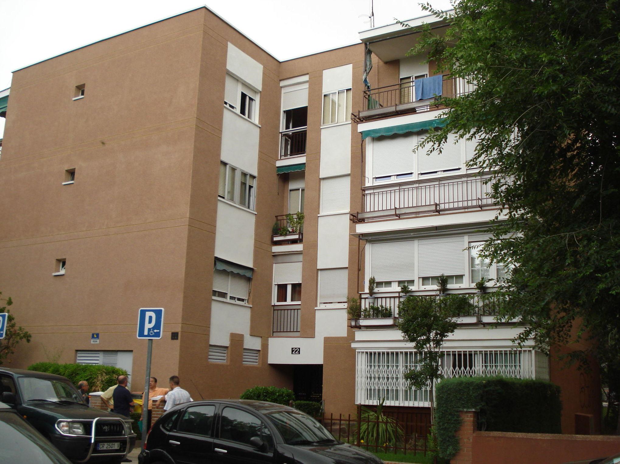 Reparación de fachada de ladrillo. Estado reformado. Revestimiento monocapa (1)