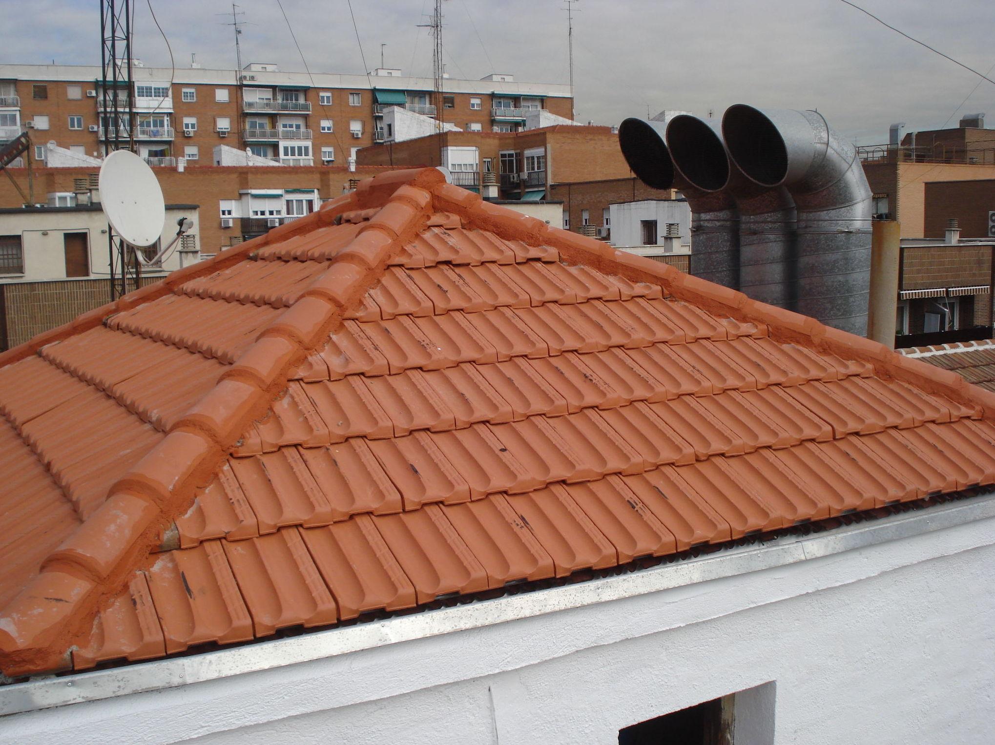 Rehabilitación cubierta teja plana. Estado reformado