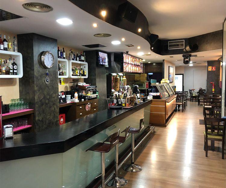 Barra del restaurante en Zaragoza