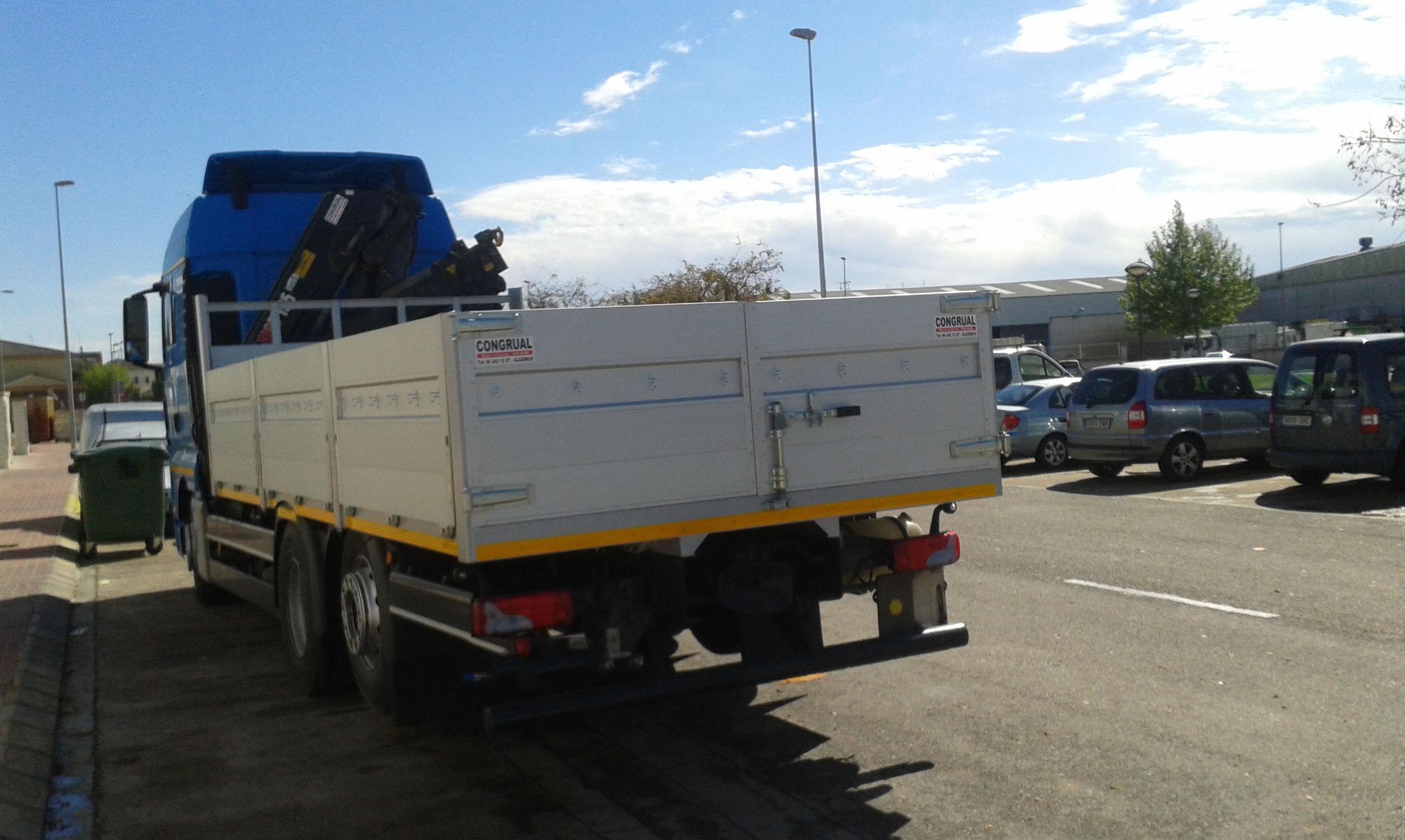 Empresa especializada en transporte de contenedores