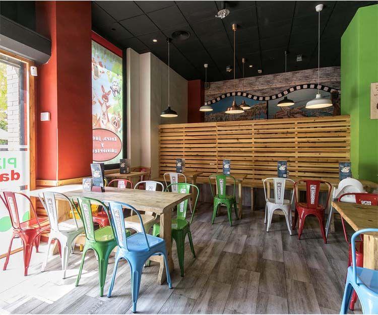 Interior de la Pizzería Da Sebas en Alicante