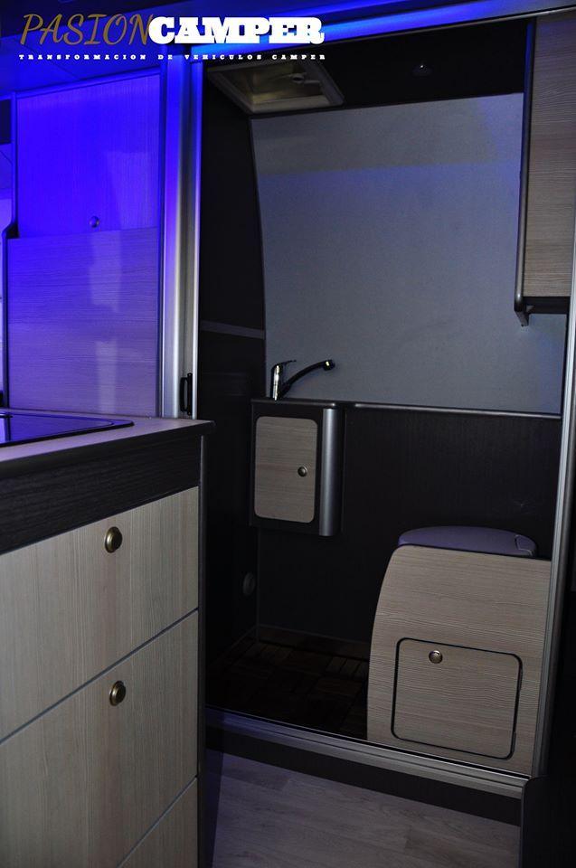 Muebles auxiliares extraíbles para furgoneta camper en Tarragona