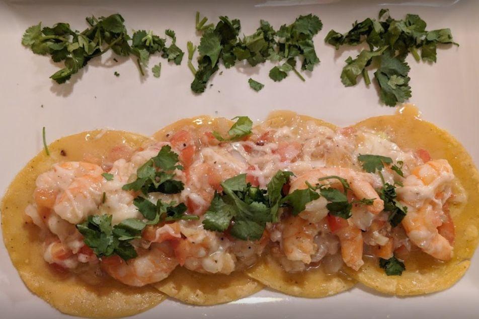 Tacos con gambas del restaurante mexicano El Nopal
