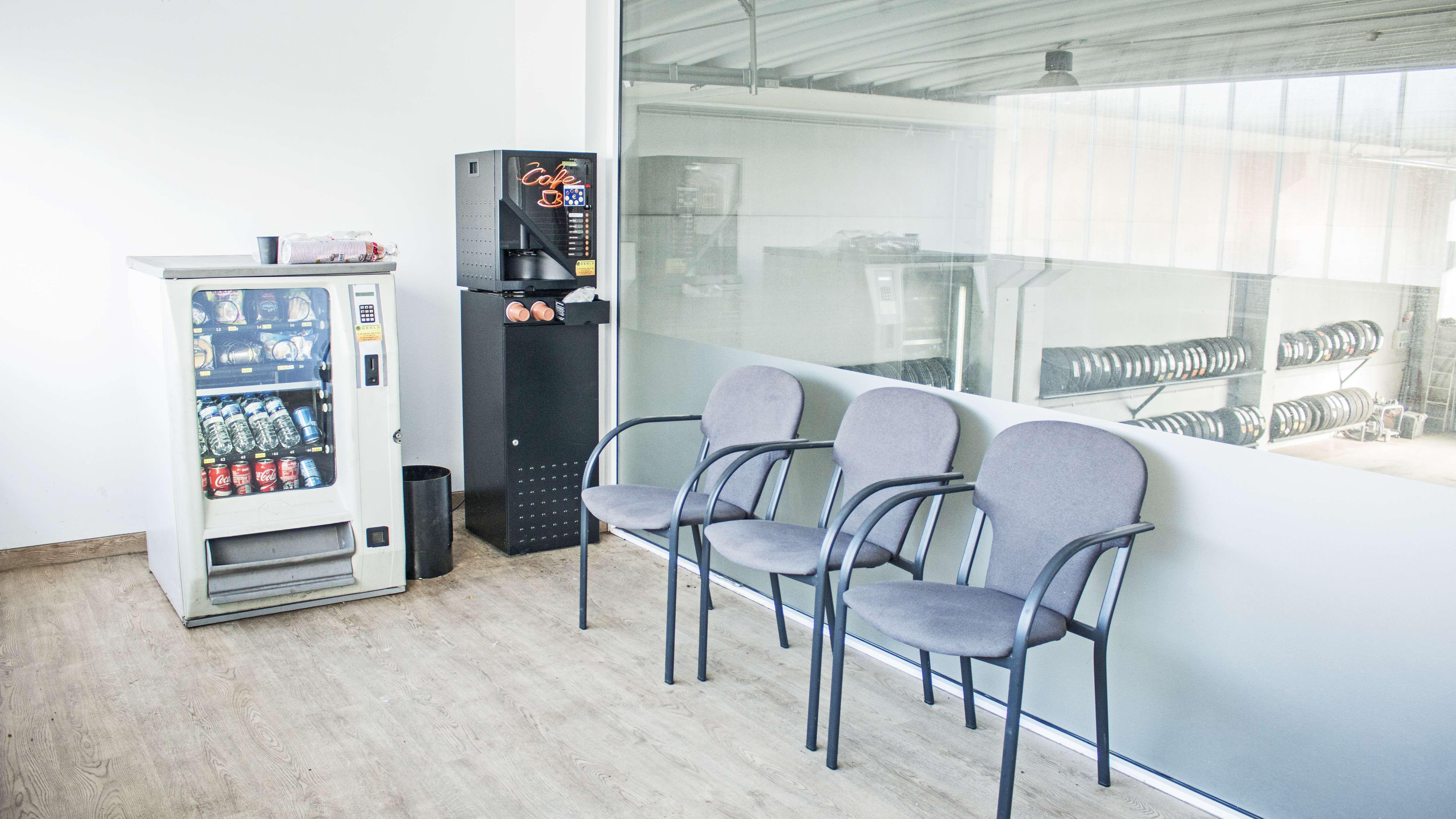Sala de espera de nuestra empresa en A Coruña