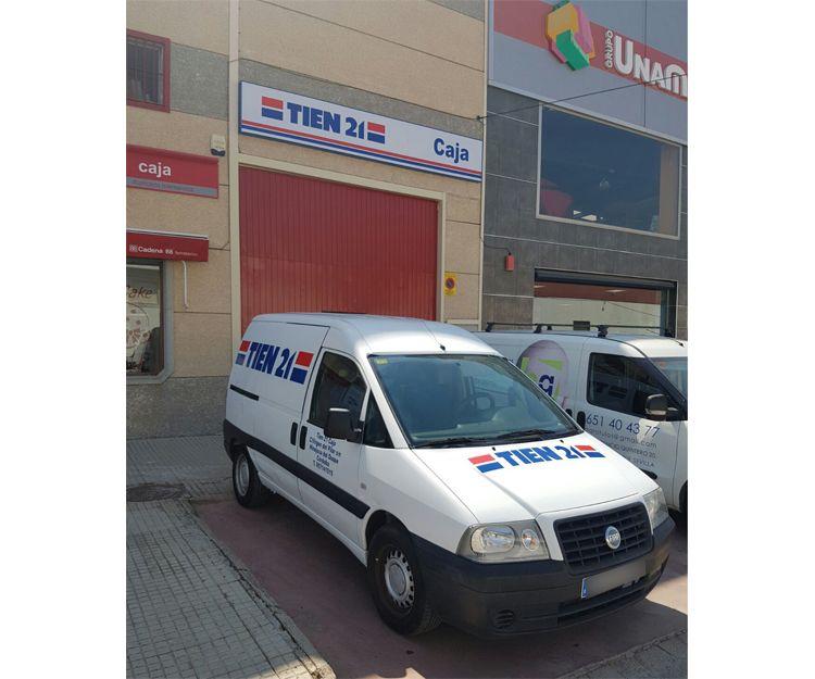 Rotulación de vehículos de empresa Tien 21