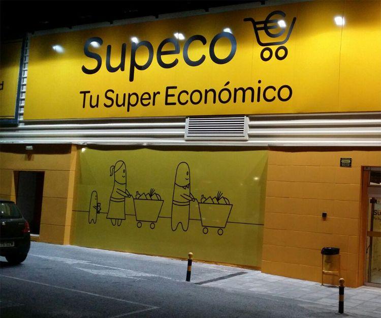 Letras corpóreas supermercado