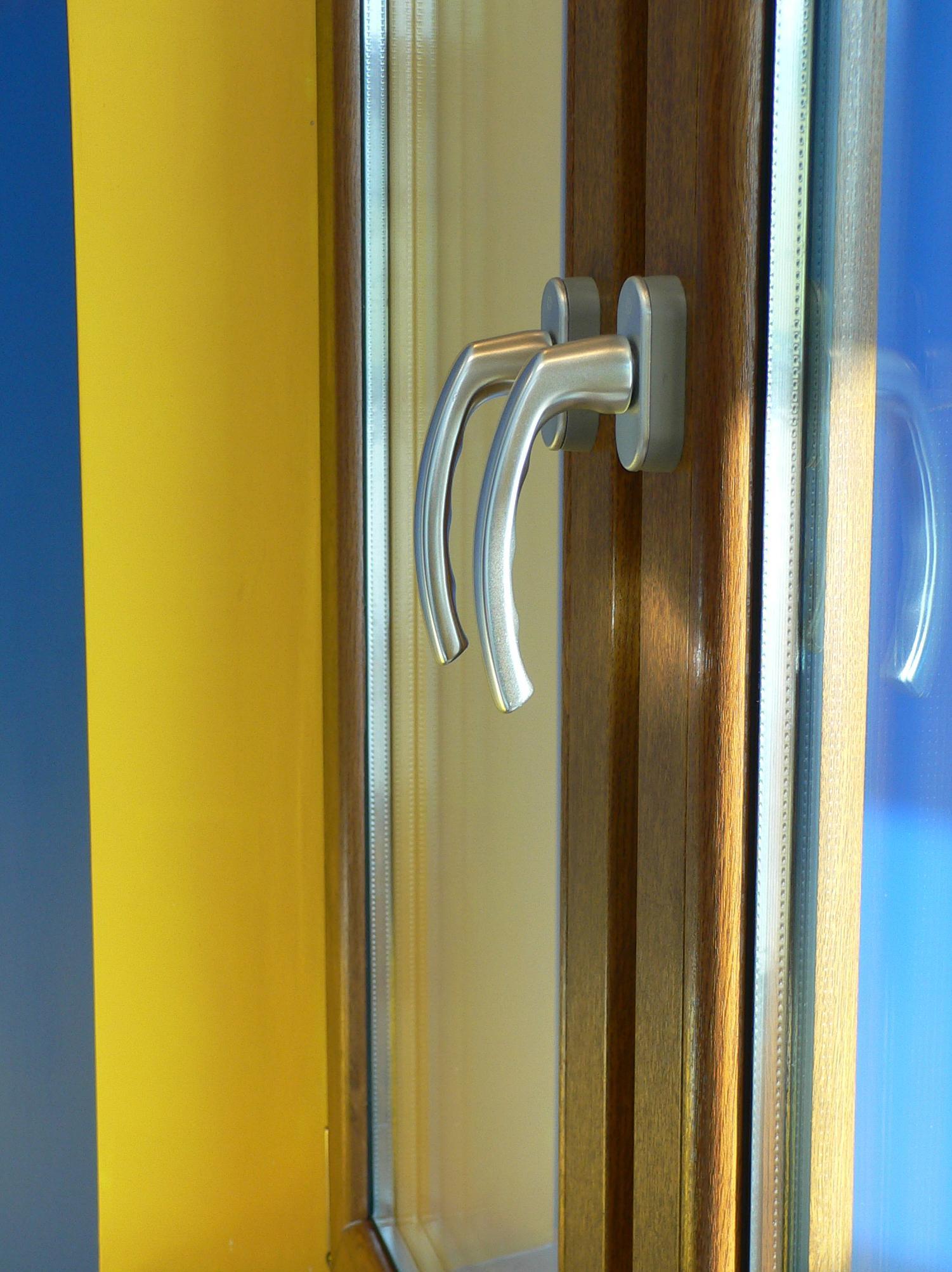 Foto 4 de Carpintería de aluminio, metálica y PVC en Vitoria-Gasteiz | Am Carpintería de Aluminio