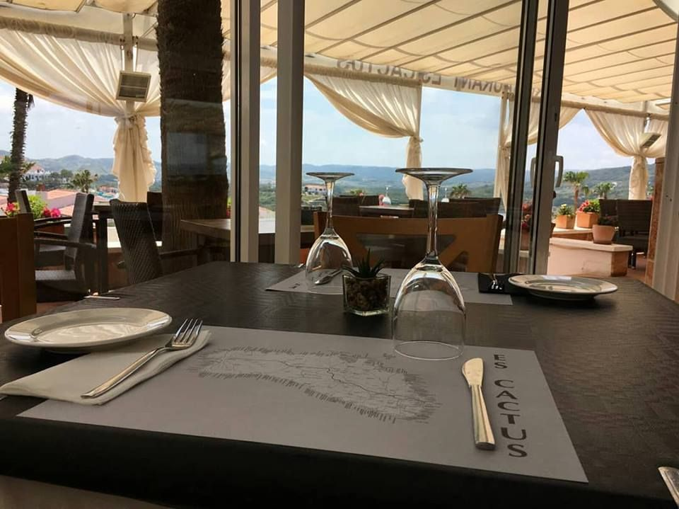 Foto 40 de Cocina mediterránea en Es Mercadal | Restaurant Es Cactus