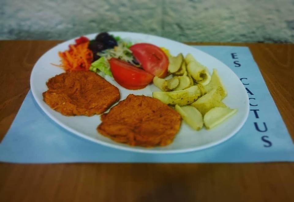 Foto 24 de Cocina mediterránea en Es Mercadal | Restaurant Es Cactus