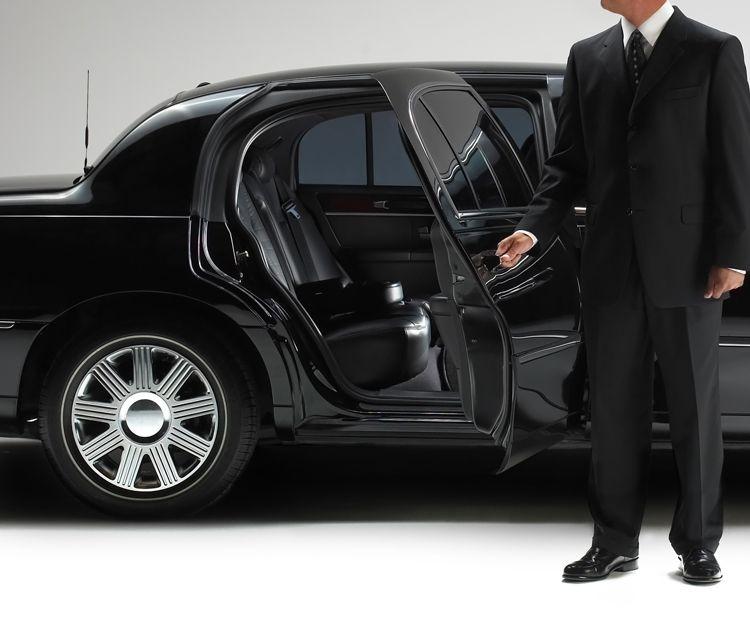 Servicio de taxi en coche de lujo