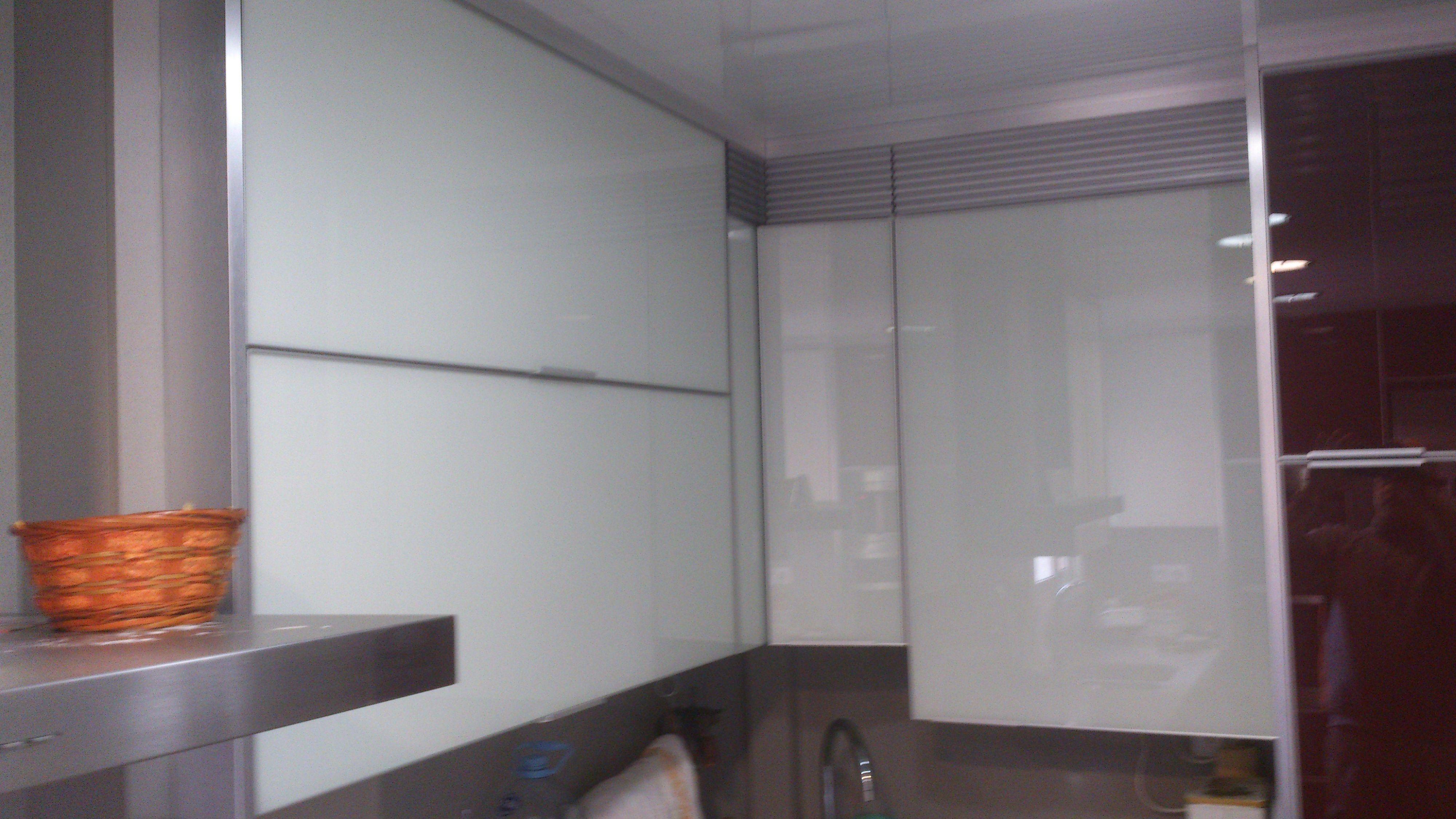 Puertas Cristal Cocina Affordable Dproject Cocina Blanca Muebles  ~ Puertas De Cristal Para Cocinas