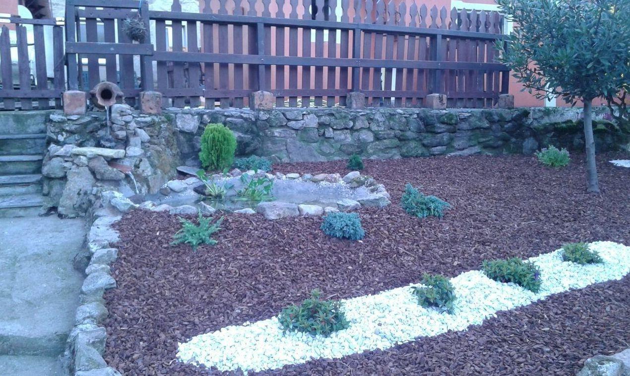 Mantenimiento de jardines y piscinas en coru a panda jard n for Piscina de naron