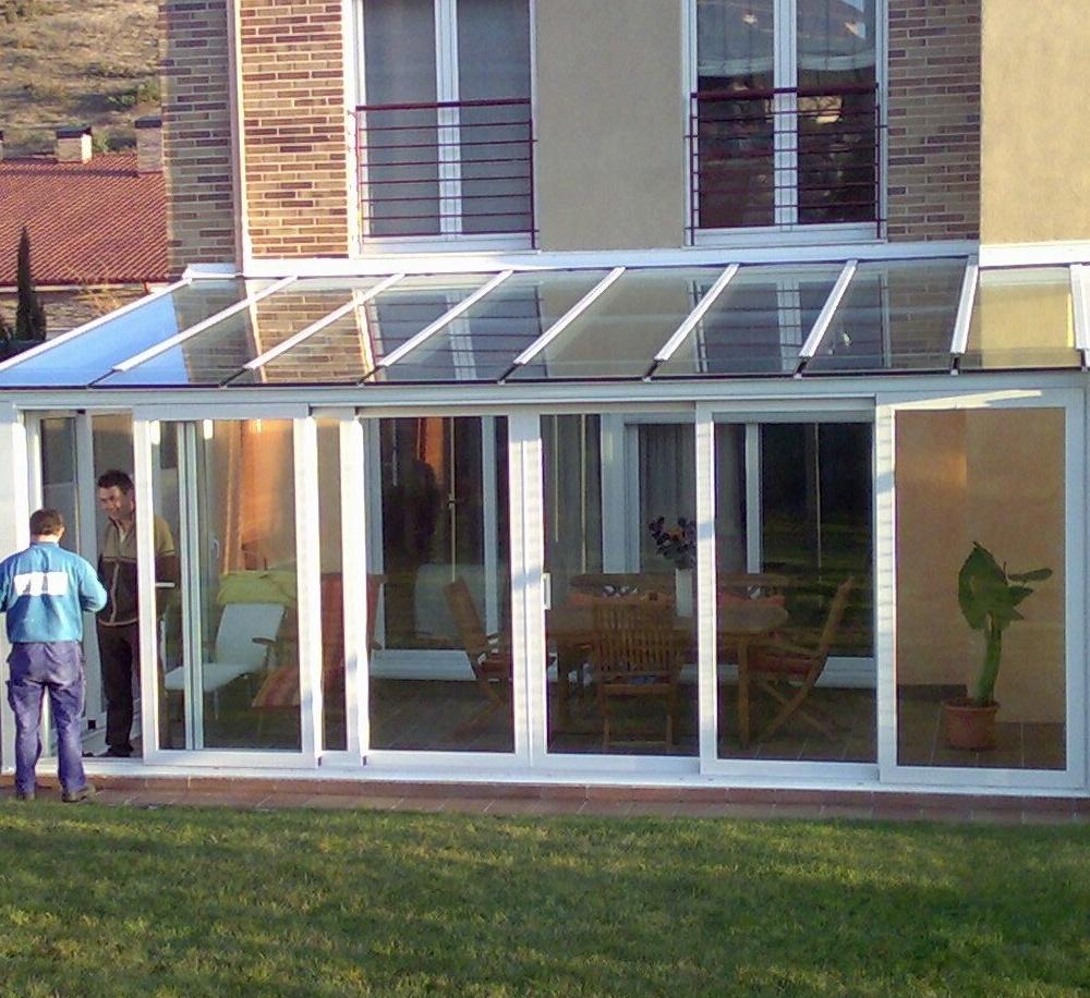 Cerramiento de aluminio con techo acristalado: Servicios de Jorge Barrera Cesarini