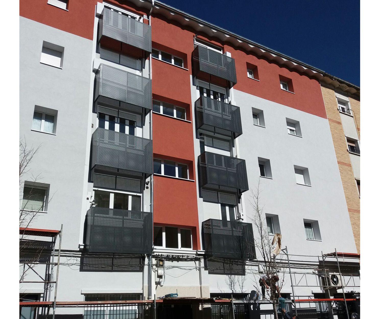 Carpintería de aluminio en Pamplona. Ventanas de aluminio y PVC. Cerramientos metálicos. Trabajamos en toda Navarra