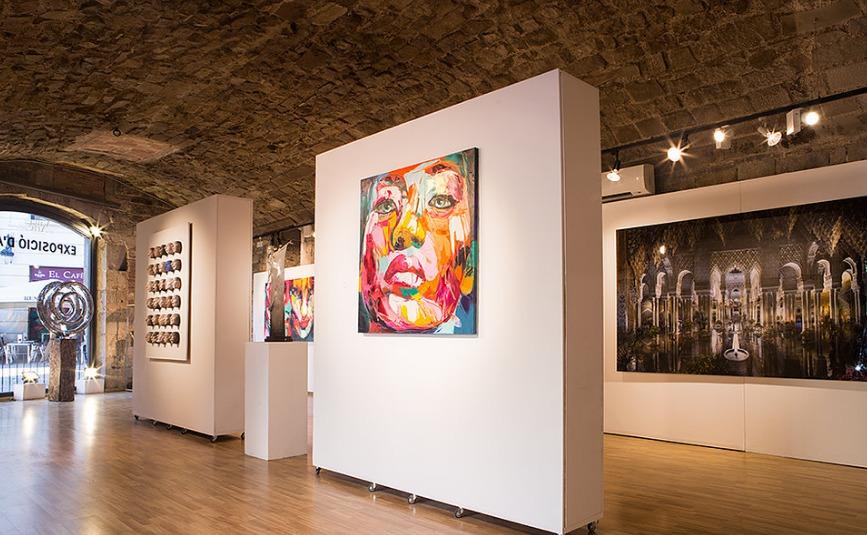 Galería de arte contemporáneo ubicada en el corazón del casco antiguo de Barcelona