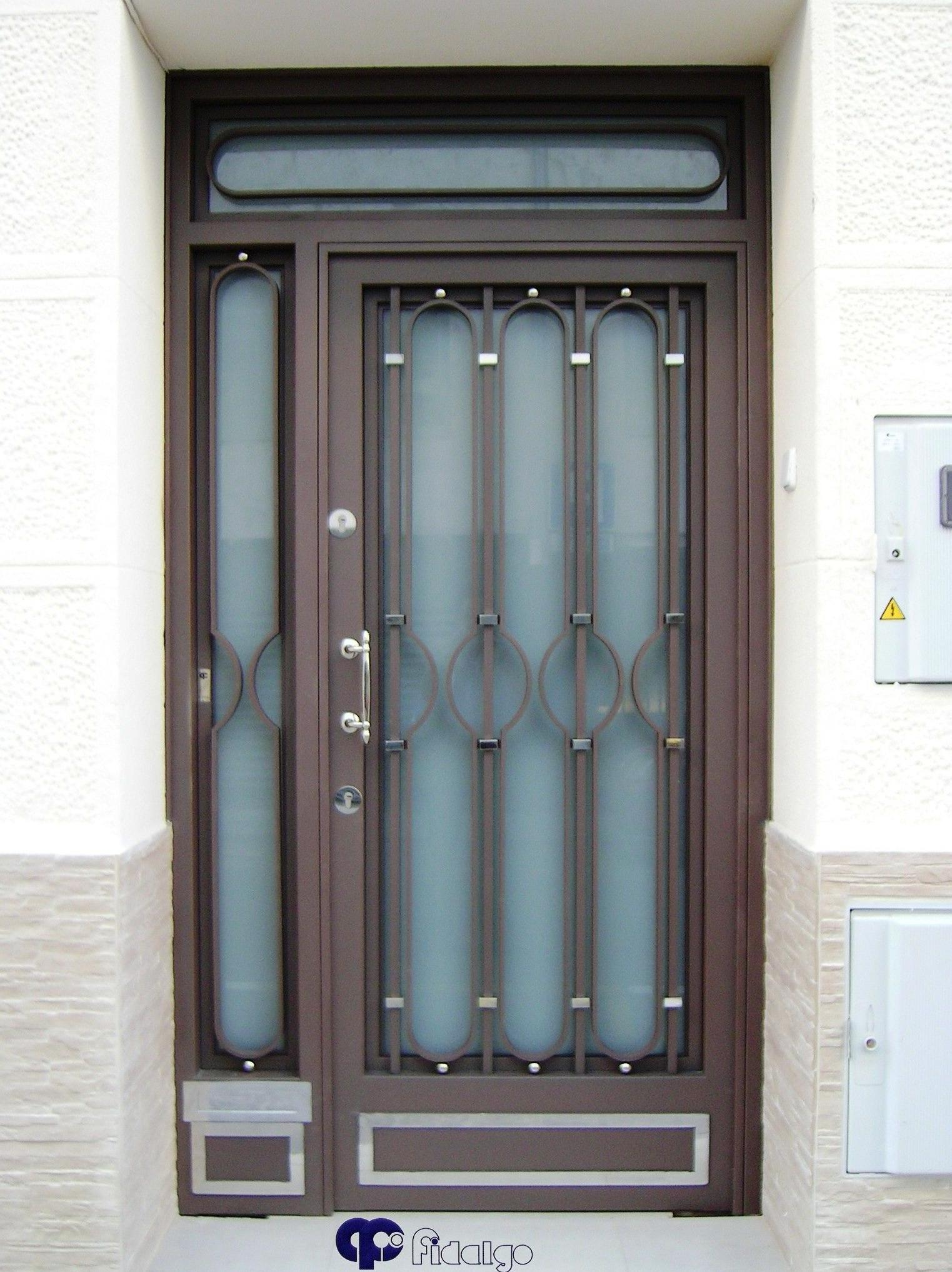 Foto 7 de cierres y puertas met licas en barcelona for Puertas de metal para exterior