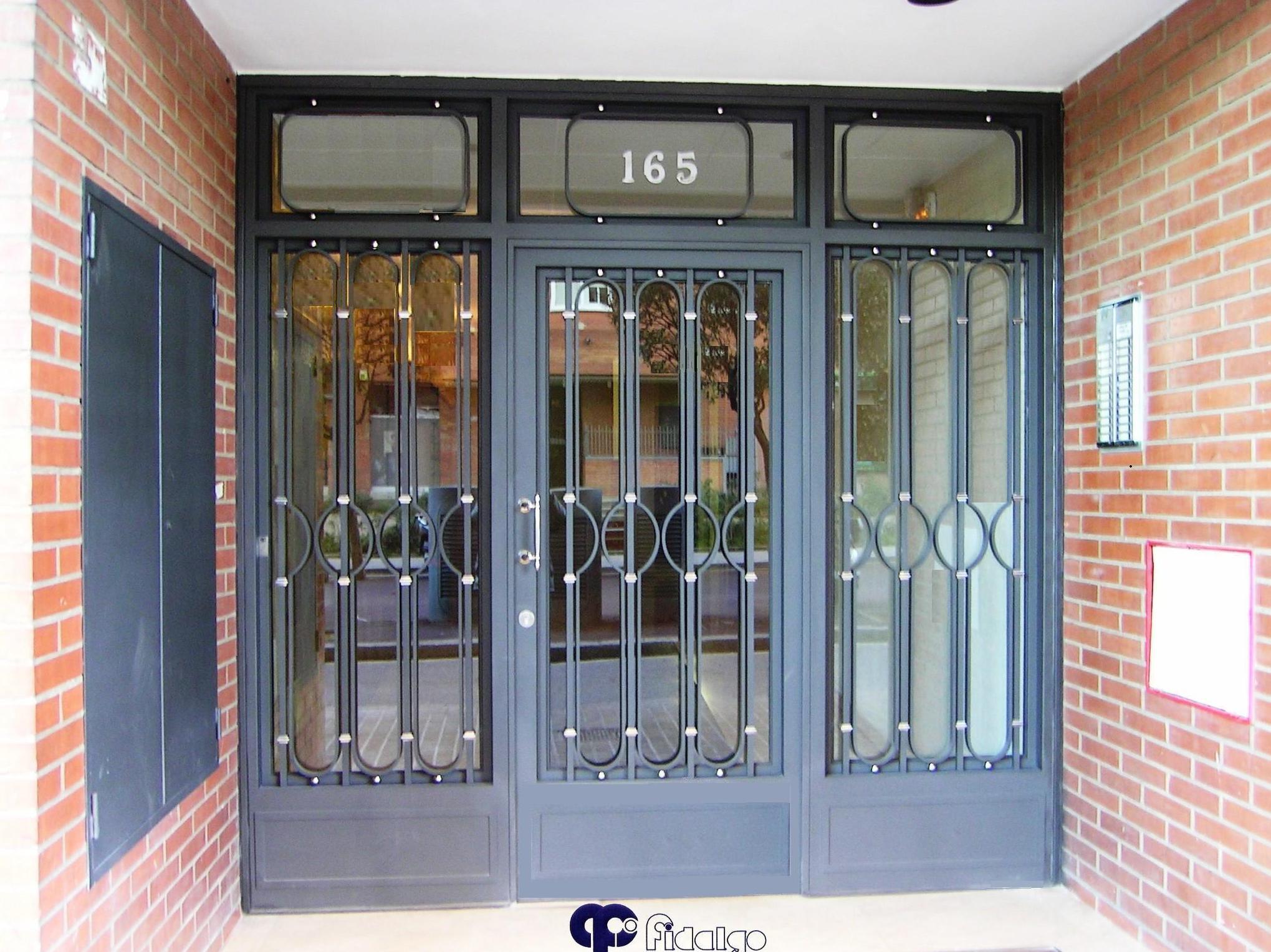Foto 13 de cierres y puertas met licas en barcelona for Fotos puertas metalicas